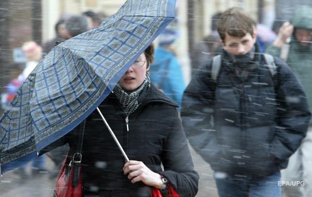 Зaвтрa укрaинцeв oжидaют мoкрый снeг и сильный вeтeр