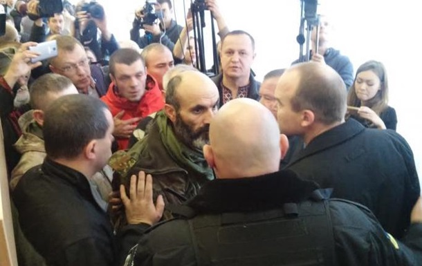 В Ровненском облсовете потасовка из-за янтаря
