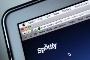 Spotify с караоке твист запускаются в Японии