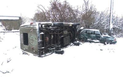 На Черниговщине перевернулся автобус с детьми, есть пострадавшие