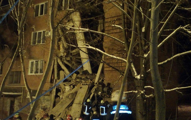 Спасатели назвали причину обвала дома в Чернигове