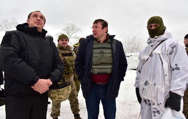 Луценко отвез беспилотник в АТО