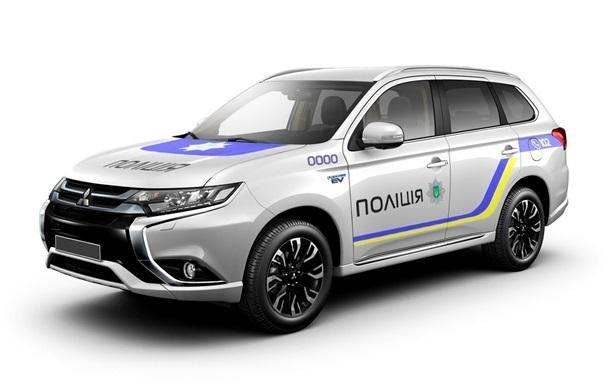 Mitsubishi сделала Нацполиции скидку в 100 авто