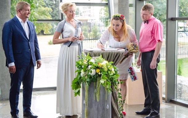 Жениться за сутки разрешили еще в восьми городах