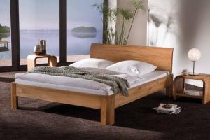 Из какого дерева купить кровать?