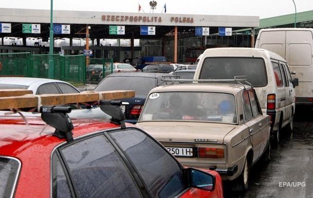 На границе с Польшей застряли около 1200 автомобилей