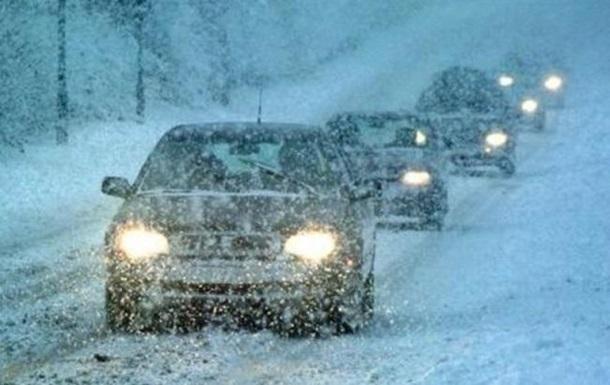 Мороз и снег: Нацполиция дала советы водителям