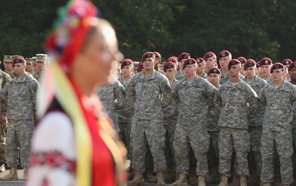 Порошенко одобрил допуск иностранных войск