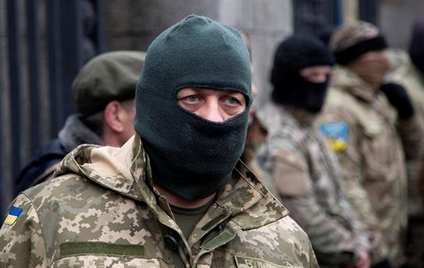 Украину защищают 40 тысяч добровольцев – Полторак