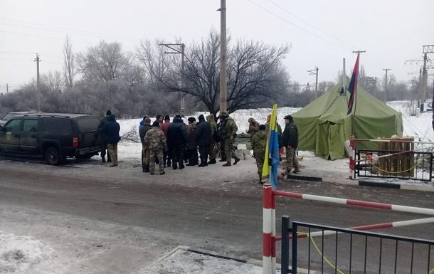 Блокада Донбасса: блокируется дорога возле Торецка