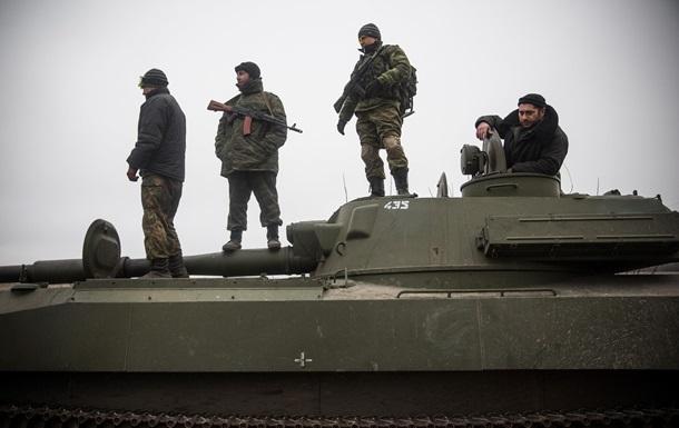 В ДНР опровергли отвод тяжелых вооружений