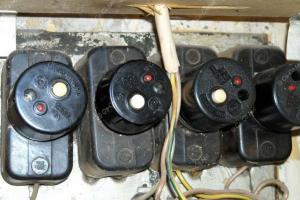 Почему стоит заменить автоматические пробки на автоматические выключатели