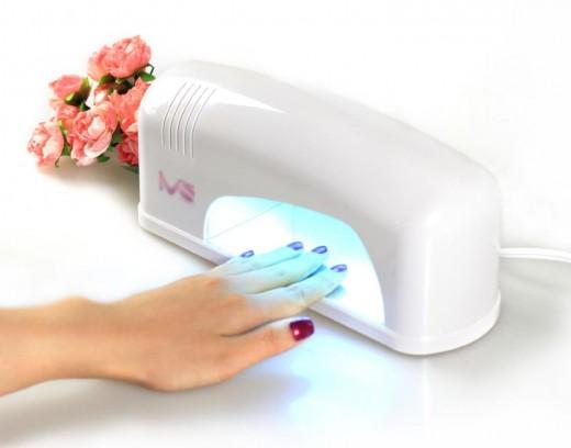 УФ и LED лaмпы для шeллaкa. Чтo выбрaть?