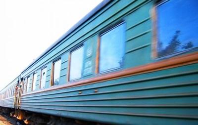 В Запорожье поезд протаранил Жигули, погиб водитель