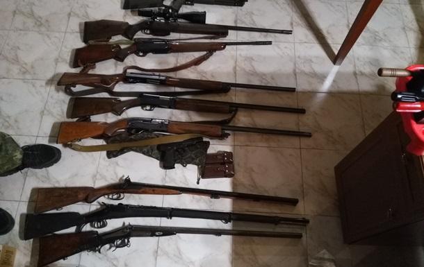 Во время обысков у лиц из окружения Януковича нашли оружие