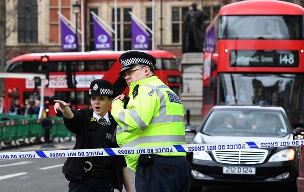 Порошенко назвал теракт в Лондоне ужасным и шокирующим