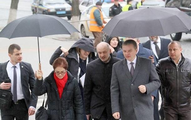 В Сети обсуждают «держателя» зонтика мэра Винницы