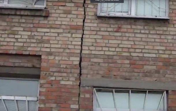 В Херсоне рухнула стена жилого дома