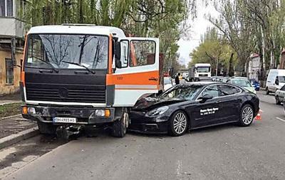 В Одессе во время тест-драйва разбили новый Porshe за 3 миллиона гривен