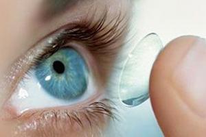 Выбираем контактные линзы: для коррекции зрения и цветные