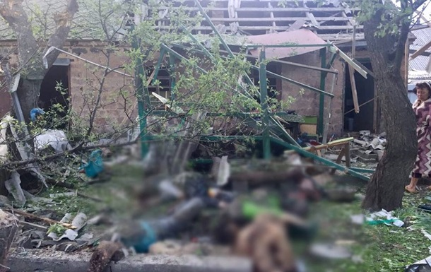 Полиция показала фото обстрелянной Авдеевки