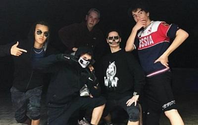 Порошенко осудил сына за футболку с «Россией»