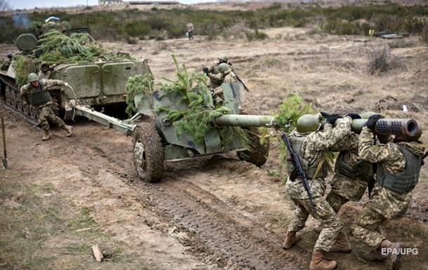 Сутки на Донбассе: 61 обстрел, двое раненых