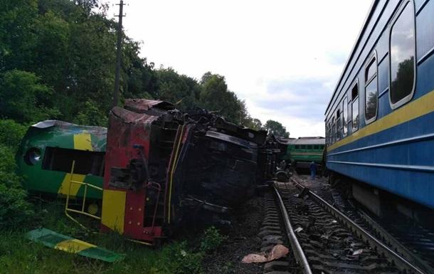 Авария поездов на Хмельнитчине: названы две версии