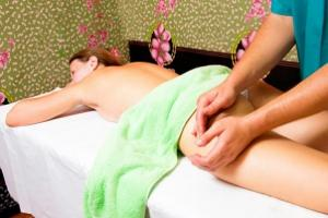 Чем полезен антицеллюлитный массаж