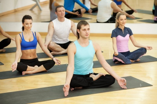 Где проводить тренировки по йоге?