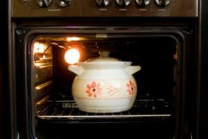 Какая посуда подойдет для приготовления блюд в духовке