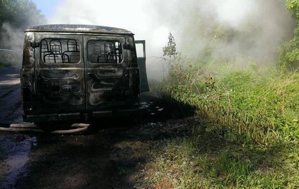 На Львовщине загорелось авто с военными: есть пострадавшие
