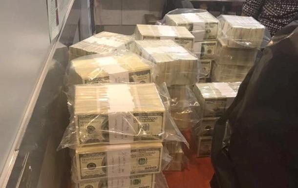 В Киеве чиновницу задержали на взятке в $5 млн