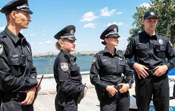 Опрос: Украинцы не доверяют правоохранителям
