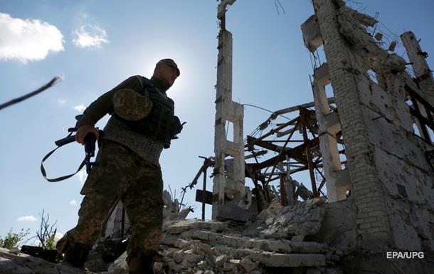 Сутки в АТО: 26 обстрелов, двое военных погибли