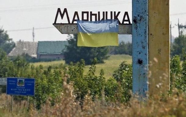 Штаб: Жилые кварталы Марьинки снова обстреляли