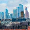 Эксперт S&P Global: прогноз для России омрачен перспективой низких цен на нефть и риском введения новых санкций США