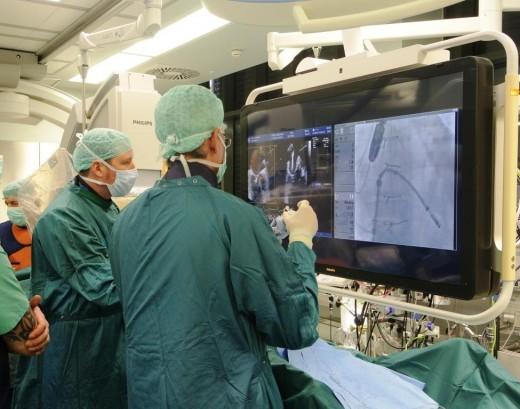Безопасная транскатетерная имплантация сердечного клапана в больнице Шиба
