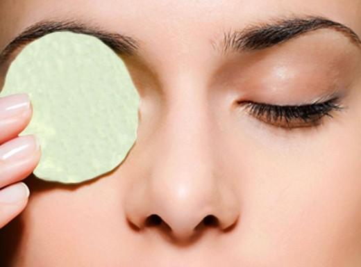 Эффективное промывание глаз в домашних условиях