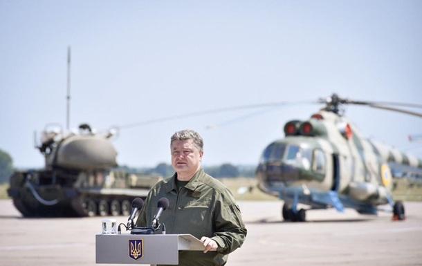 Порошенко: На военную авиацию потратим миллиард