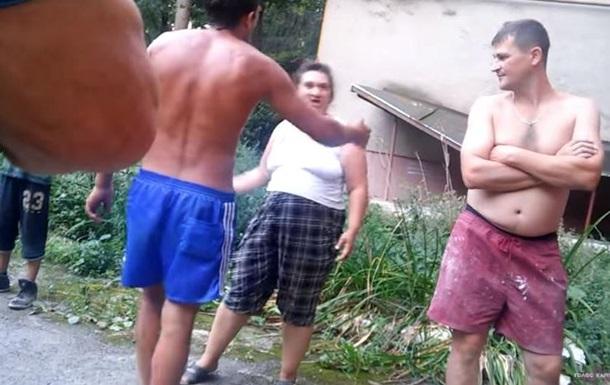 На Закарпатье ромы избили депутата