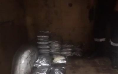 Украинец пытался вывезти в Польшу почти 30 кг наркотиков