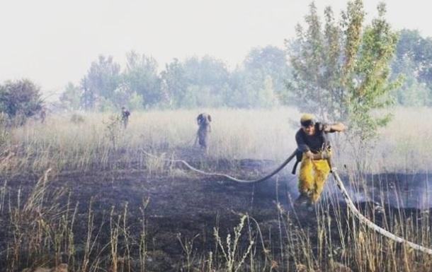 Под Горловкой из-за обстрела возник крупный пожар