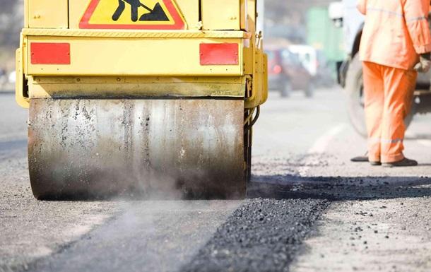 Порошенко пообещал выделить 30 млрд на строительство дорог