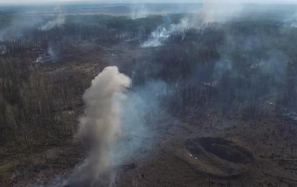 Взрывы в Кaлинoвкe сняли с дрoнa
