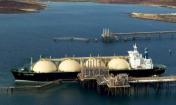 США покупают российский газ, а затем перепродают его в ЕС по более высоким ценам