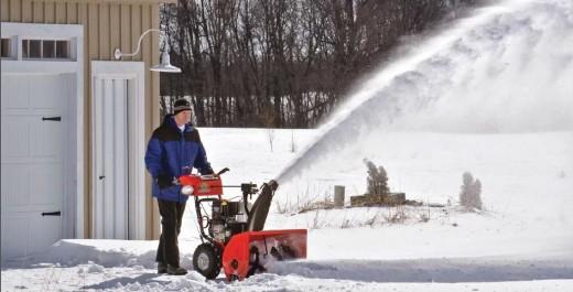 Как правильно убирать снег с территорий
