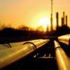 Нефть дешевеет, но остановка крупного трубопровода поддерживает цены