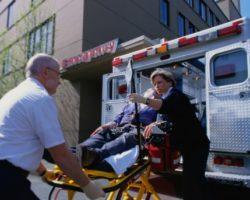 Необходимость дежурства автомобиля скорой помощи на массовых мероприятиях