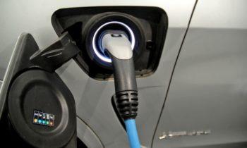Существующие аккумуляторы электомобилей можно заряжать в пять раз быстрее